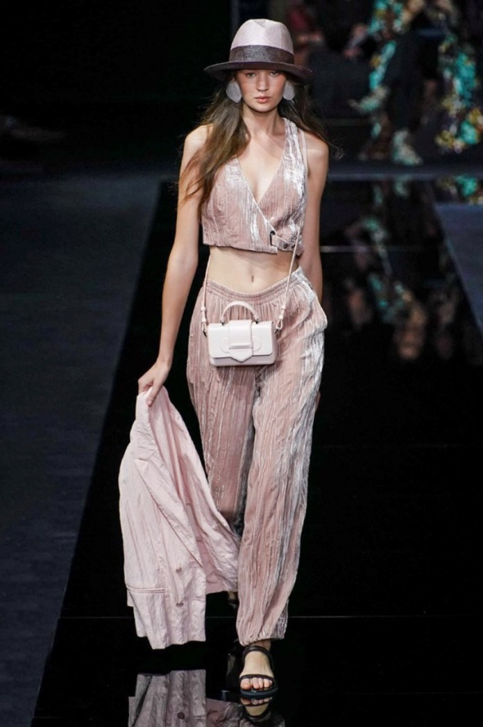 cliomakeup-milano-fashion-week-primavera-estate-2020-10-emporio-armani