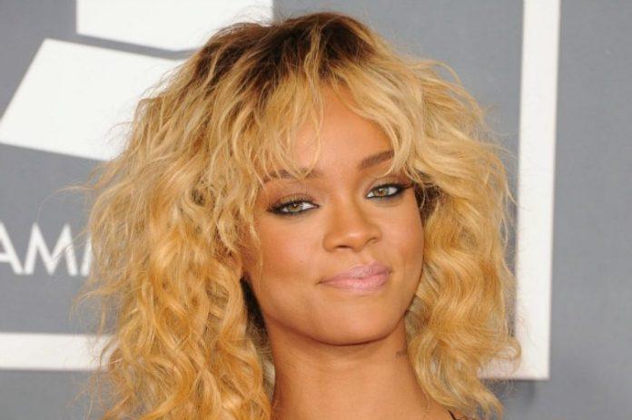 cliomakeup-colore-capelli-ricrescita-19-rihanna