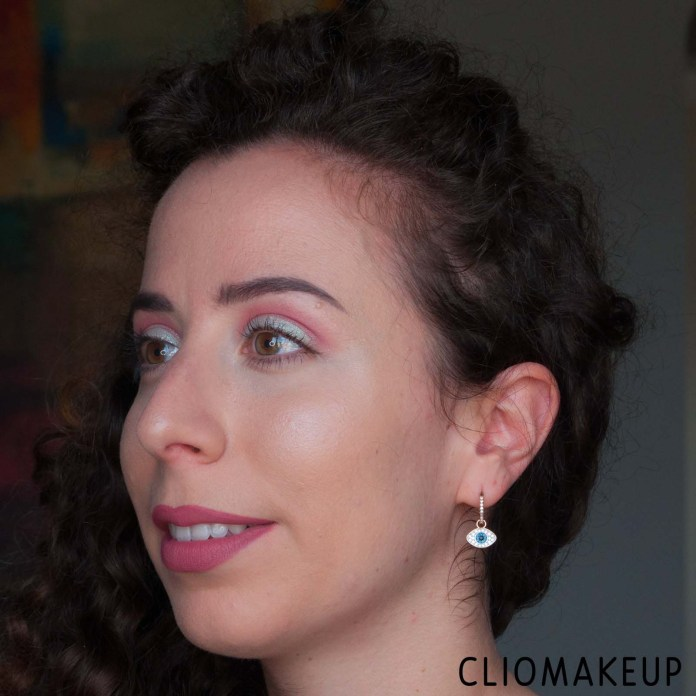 cliomakeup-recensione-illuminante-essence-the-highlighter-11