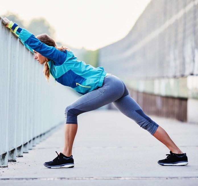 cliomakeup-sport-all-aperto-6-stretching-corsa.jpg