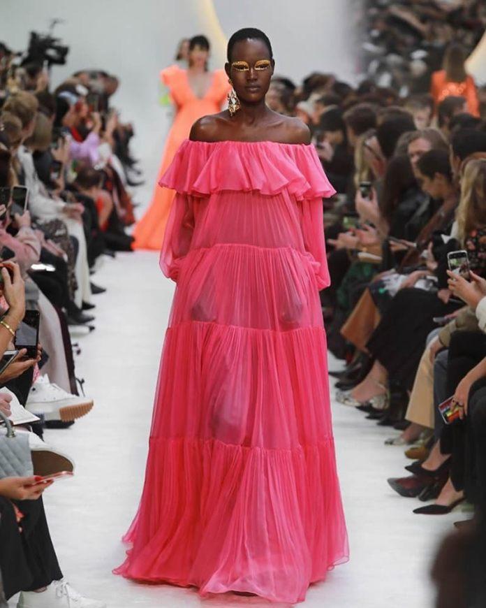 cliomakeup-tendenze-moda-primavera-estate-2020-4-fluo-valentino