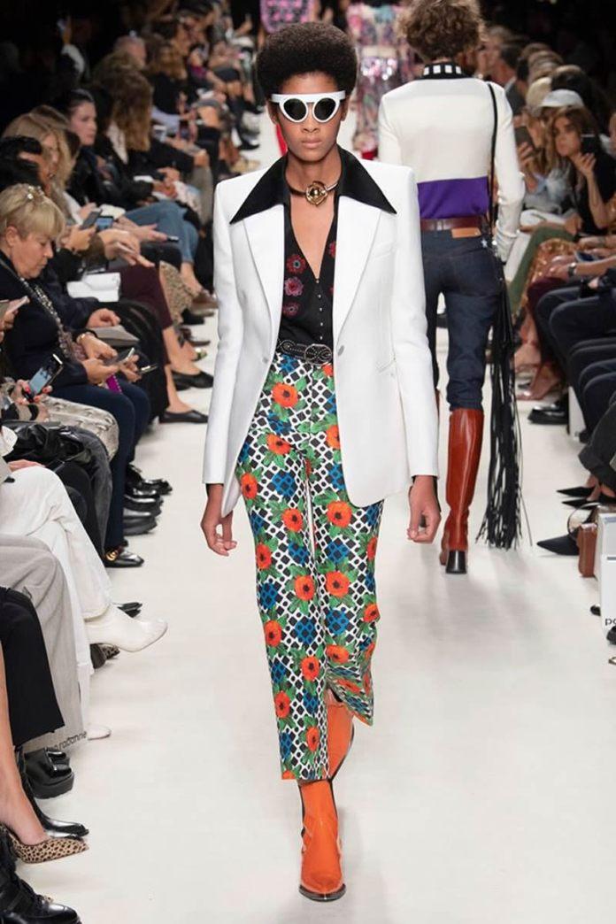 cliomakeup-tendenze-moda-primavera-estate-2020-7-paco-rabanne-camicia-nera