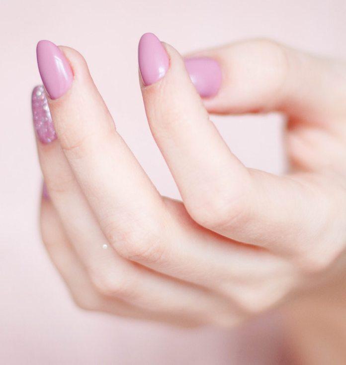 cliomakeup-olio-cocco-teamclio-mani-unghie