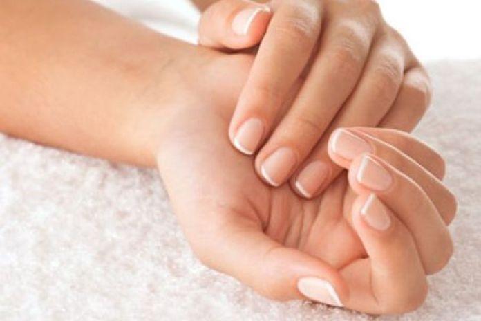 usi alternativi dentifricio: toglie gli odori dalle mani