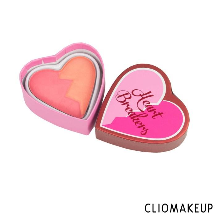 cliomakeup-recensione-blush-i-love-revolution-heart-breakers-matte-blush-5
