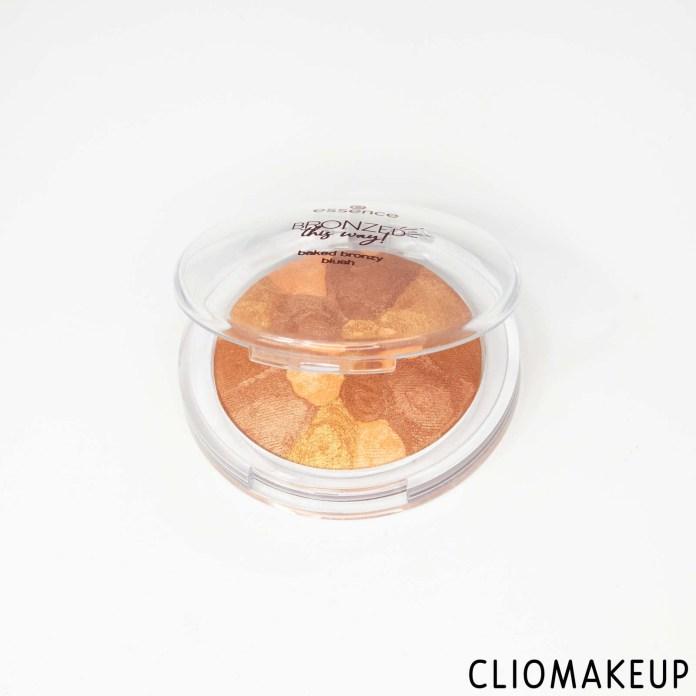 cliomakeup-recensione-blush-essence-bronzed-this-way!-baked-bronzy-blush-4
