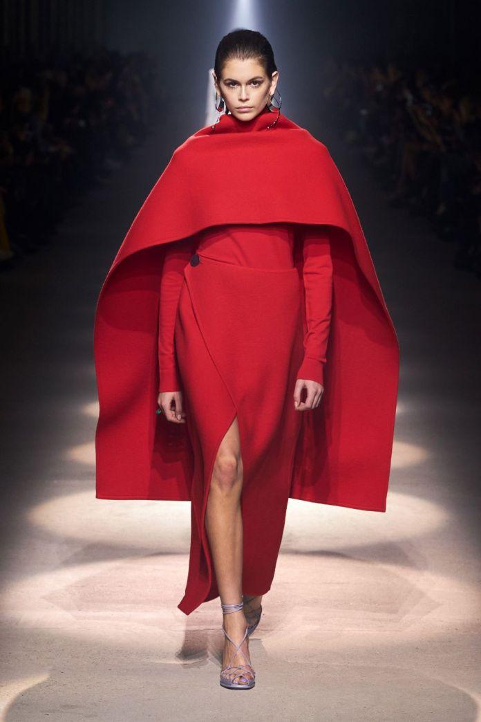 cliomakeup-Tendenze-moda-donna-autunno-inverno-2020-2021-7-givenchy