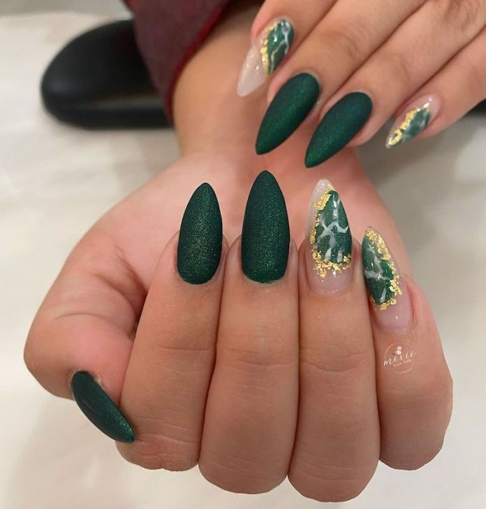 cliomakeup-unghie-autunno-2020-marble-nails-teamclio-11