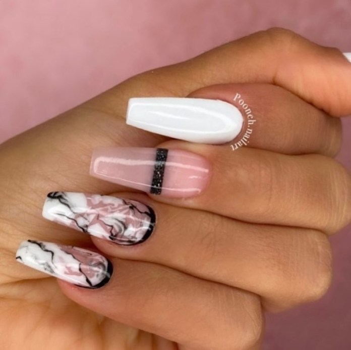 cliomakeup-unghie-autunno-2020-marble-nails-teamclio-17
