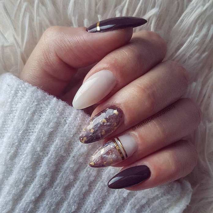 cliomakeup-unghie-autunno-2020-marble-nails-teamclio-8