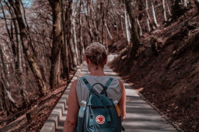 cliomakeup-camminare-nella-natura-teamclio-cover