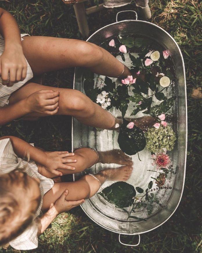 cliomakeup-come-preparare-piedi-sandali-teamclio-pediluvio2