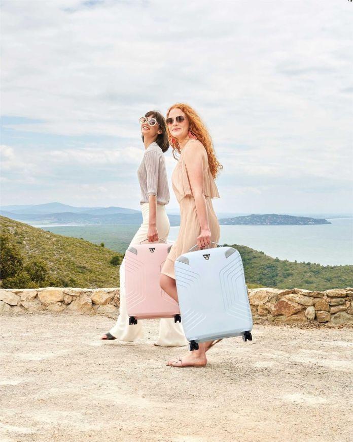 Cliomakeup-valigie-zaini-beauty-case-estate-2021-valligie-rosa-azzurra