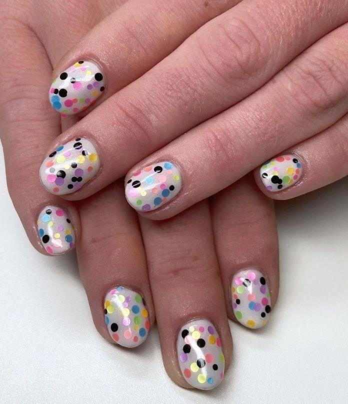 cliomakeup-confetti-nails-estate-2021-teamclio-10