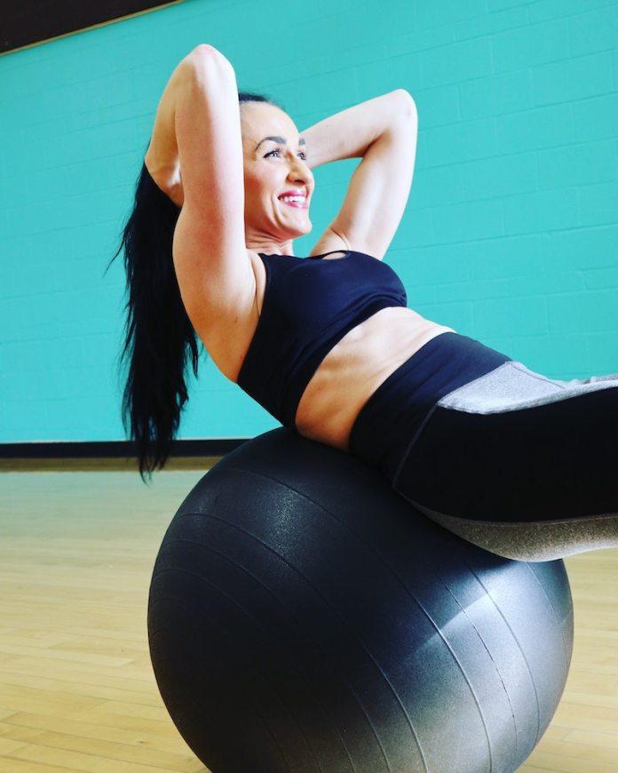 cliomakeup-esercizi-con-fitball-teamclio-3