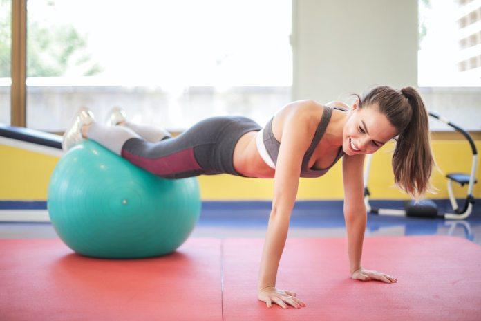 cliomakeup-esercizi-con-fitball-teamclio-cover
