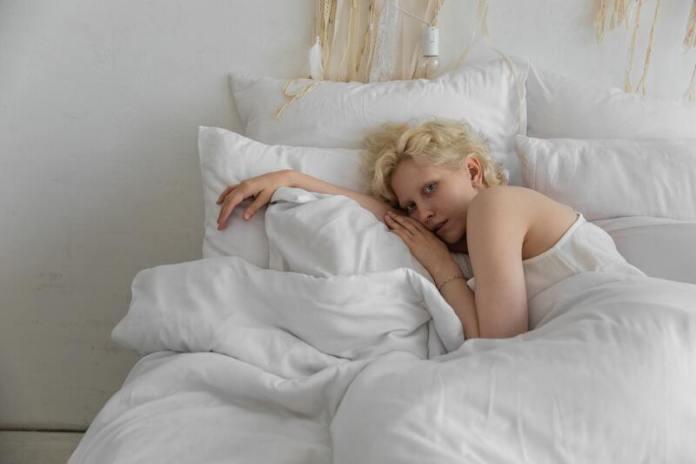cliomakeup-persona-mattiniera-sonno