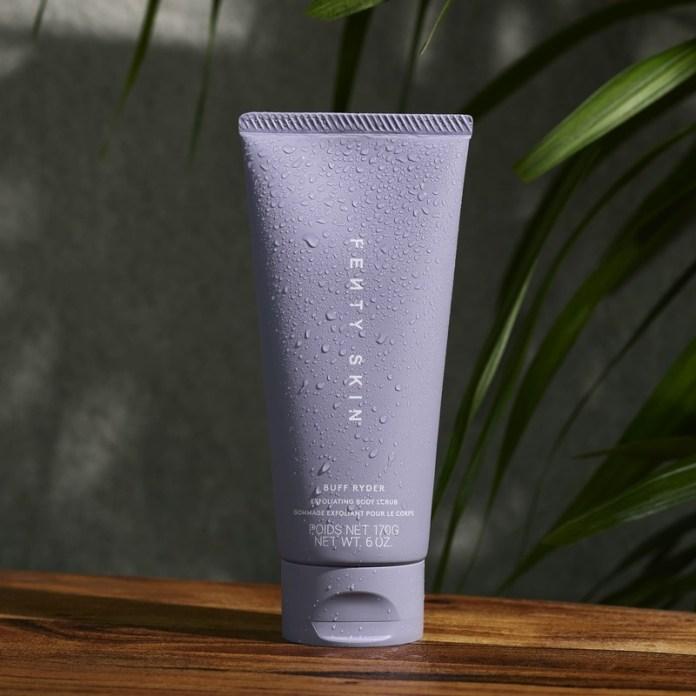 cliomakeup-prodotti-beauty-luglio-2021-Fenty-skin-buff-rider-scrub