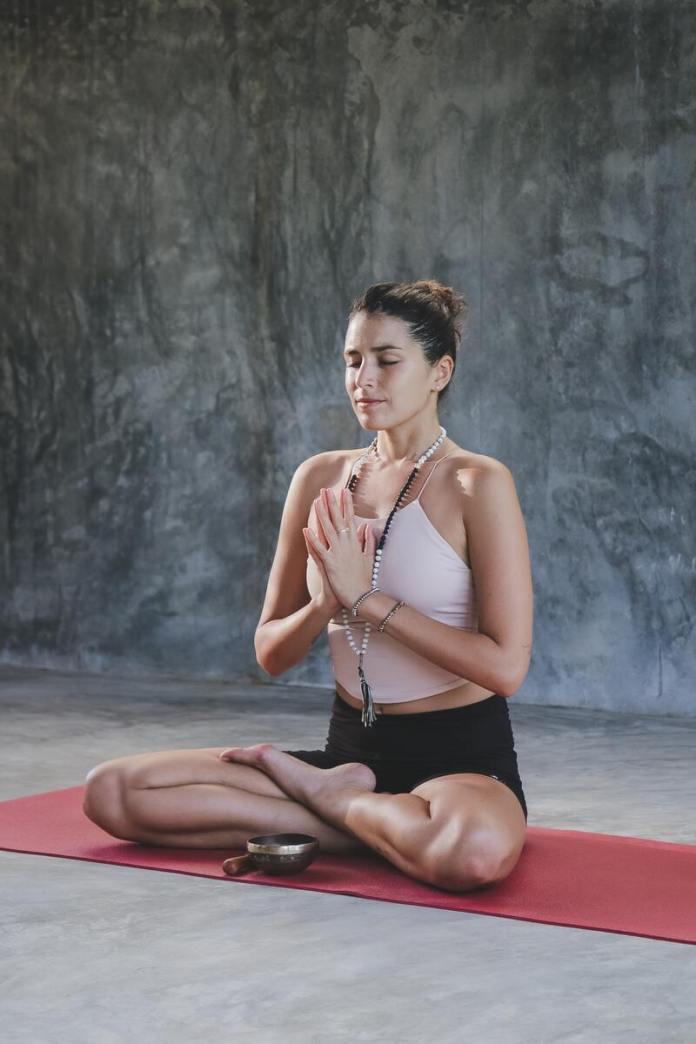 cliomakeup-come-migliorare-umore-yoga
