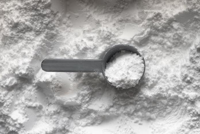 cliomakeup-come-schiarire-le-ascelle-bicarbonato