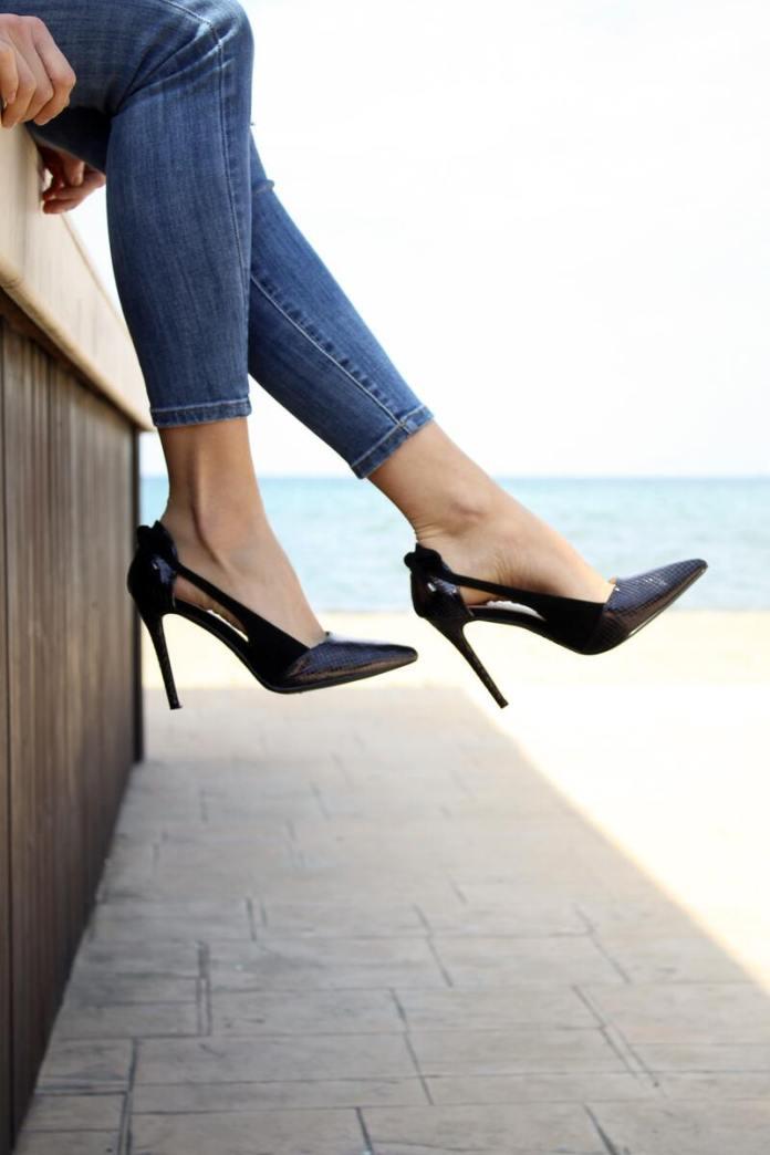 cliomakeup-scarpe-che-fanno-male-dietro