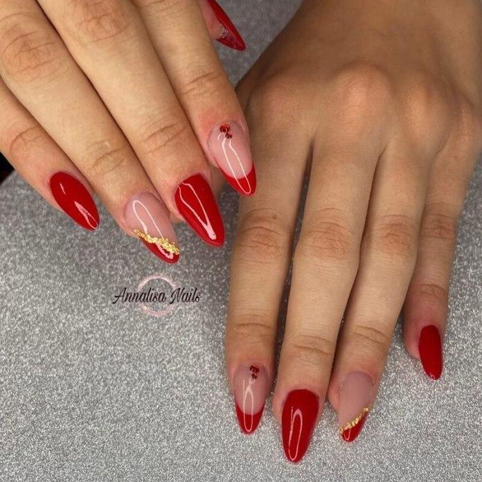 cliomakeup-unghie-a-punta-rosse-nail-art