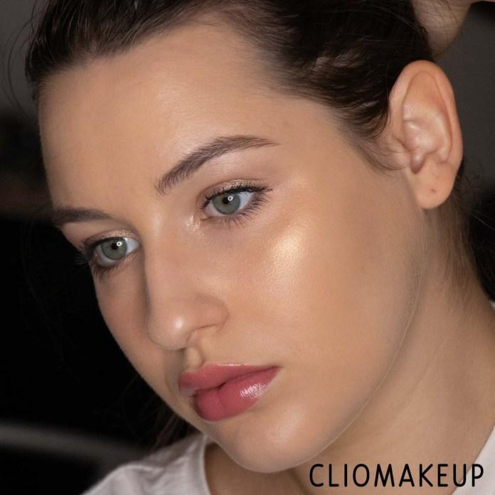 Cliomakeup-Recensione-Illuminante-Essence-Vintage-Beach-Baked-Highlighter-11