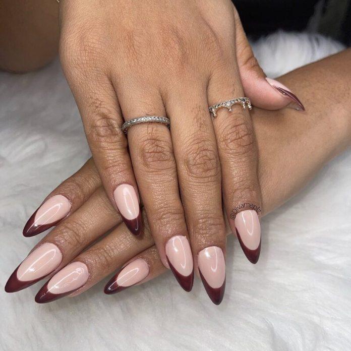 cliomakeup-dark-choco-nails-french