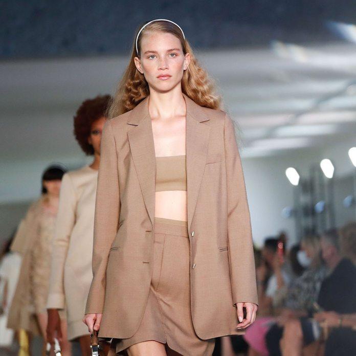 cliomakeup-milano-fashion-week-primavera-estate-2022-16-maxmara