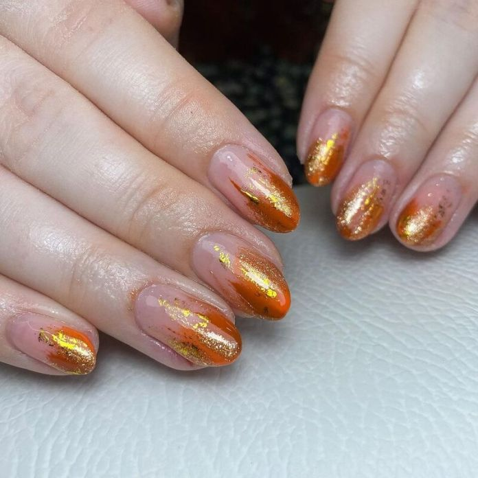cliomakeup-pumpkin-nails-nail-art-oro