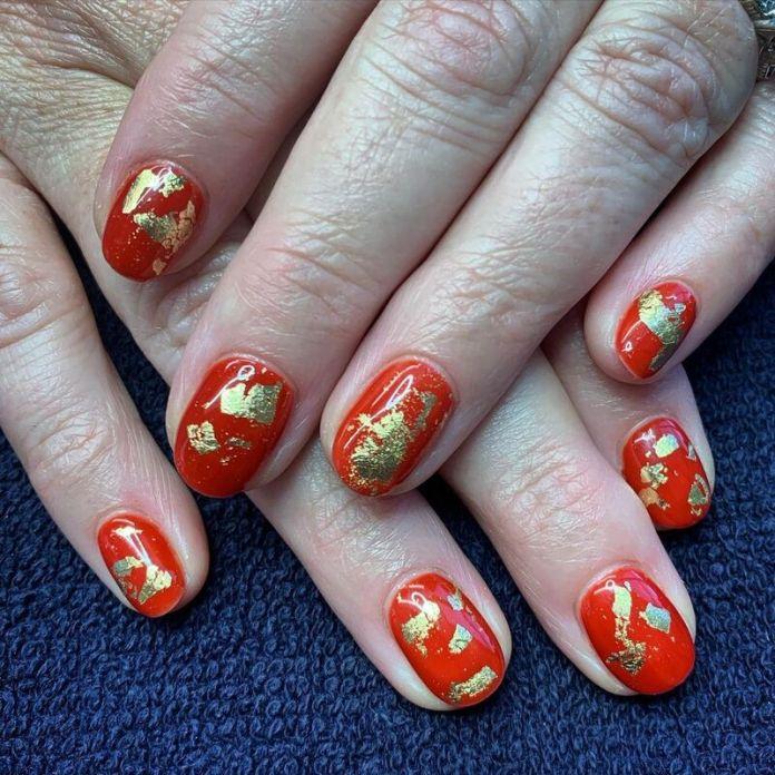cliomakeup-pumpkin-nails-oro