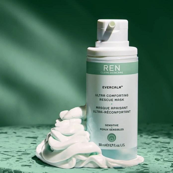 cliomakeup-skincare-routine-rientro-ren-evercalm-maschera-viso-lenitiva