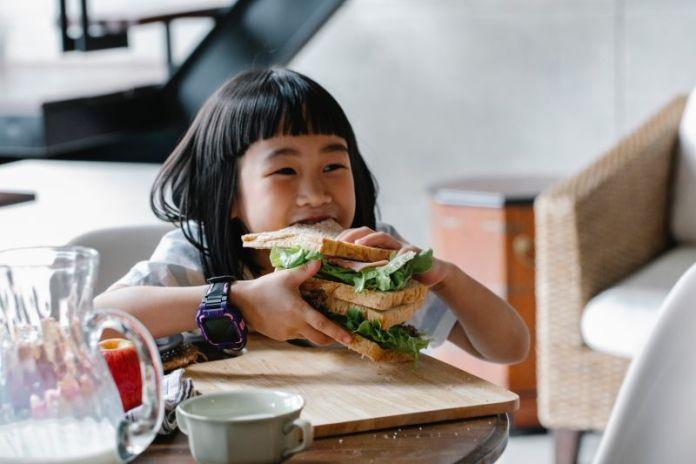 Cliomakeup-bambini-a-tavola-17-sana-alimentazione