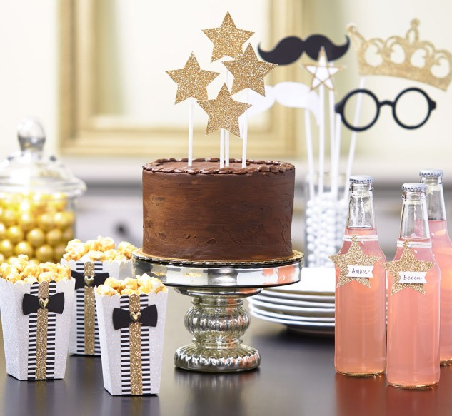 How to throw an award-winning Oscars party. #ctmh #closetomyheart #ctmhgiveaway #paperaddict #party #oscars