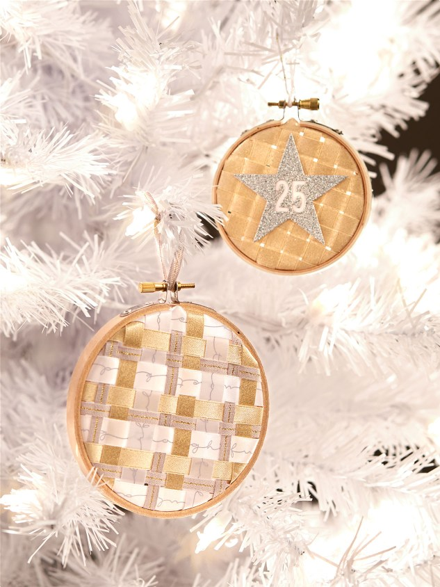 diy ribbon crafts #ctmh #closetomyheart #diy #ribbon #craft #project #Christmas #tree #ornament #embroidery #hoop