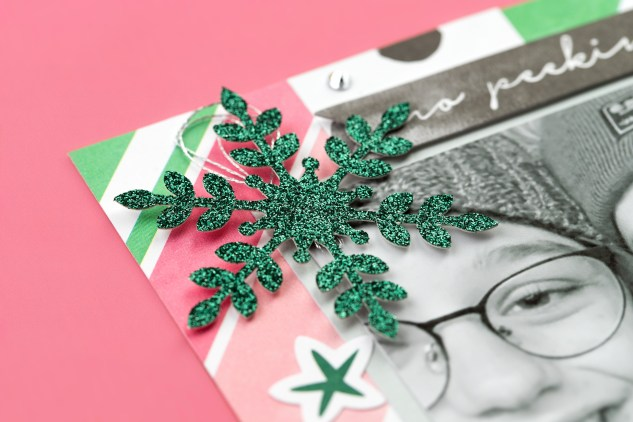 Christmas Mini Album #ctmh #closetomyheart #jinglealltheway #christmas #minialbum #photoalbum #memorykeeping #glitterpaper #snowflake