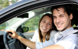 5 coisas que não devem ser feitas ao viajar de carro