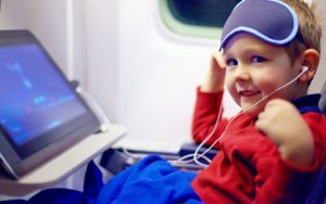 7 dicas para viajar de avião com os filhos