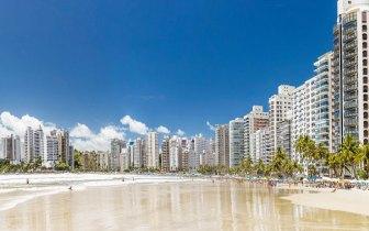 Já pensou em aproveitar o sol no Guarujá?