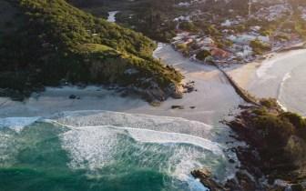 As melhores praias de Santa Catarina para aproveitar com as crianças