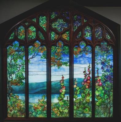 Window with Hudson River Landscape, Tiffany Studios, 1905, Corona, N.Y., 76.4.22. © Louis Comfort Tiffany.
