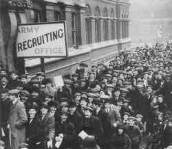Englishmen lining up to enlist.