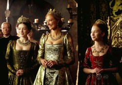 Mary, Ezalibeeth and Catherine Parr in The Tudors