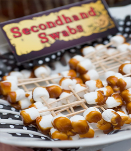 app13 25 Good, Gross, and Ghoulish Halloween Party Food Ideas