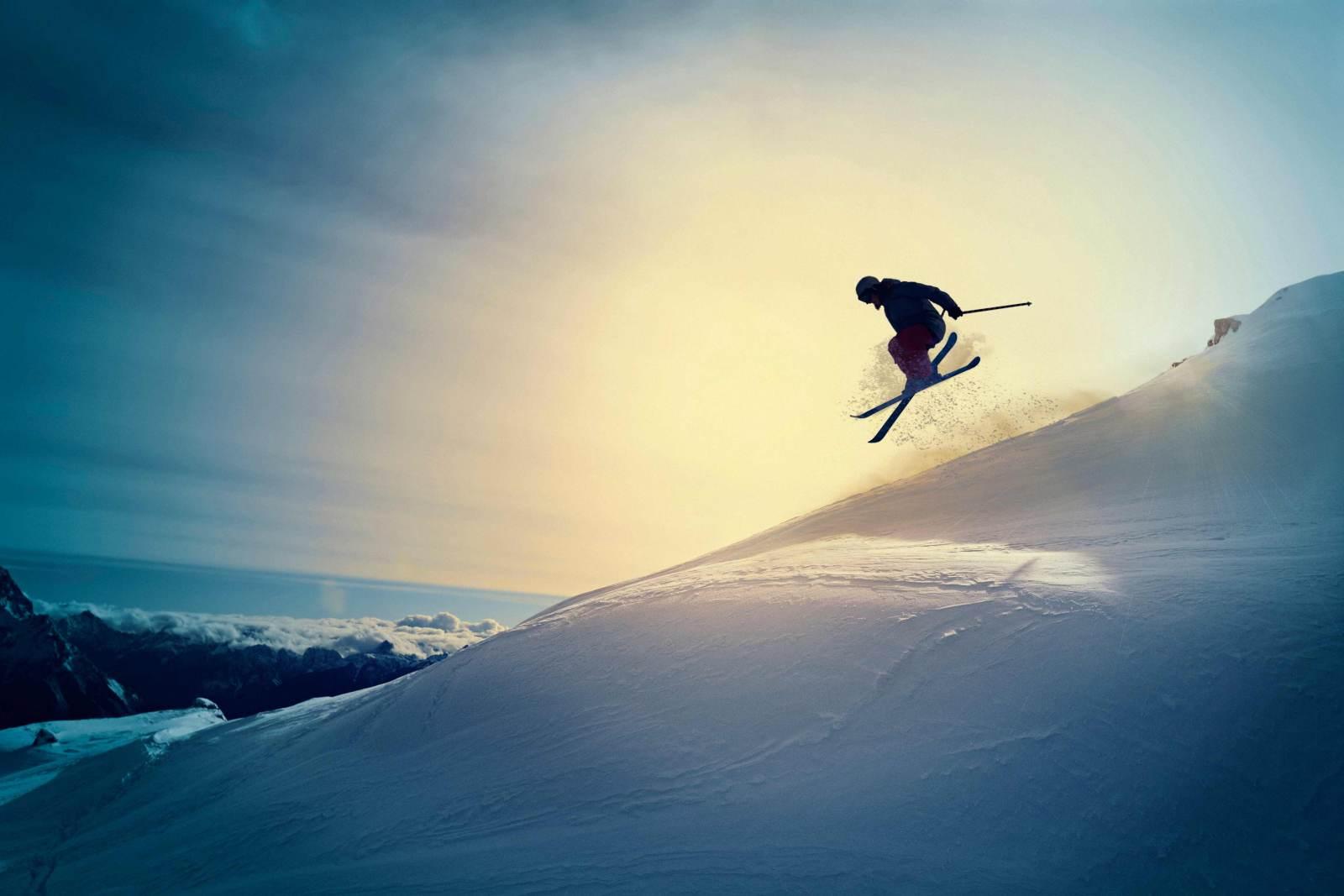 extreme freestyle snow skier
