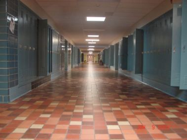 A series of VEKUX SUN TUNNELS lights up this Cheyenne HS hallway.