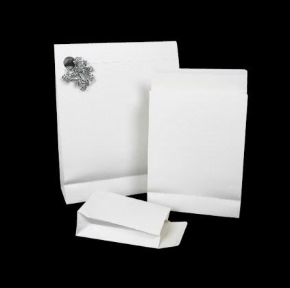 pochettes cadeau blanches pelliculées mat