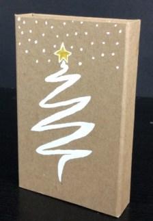 Boite cadeau en kraft brun décorée d'un dessin