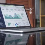 statistics-on-laptop