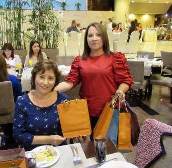 Foto de Hayde Agreda junto con Doris